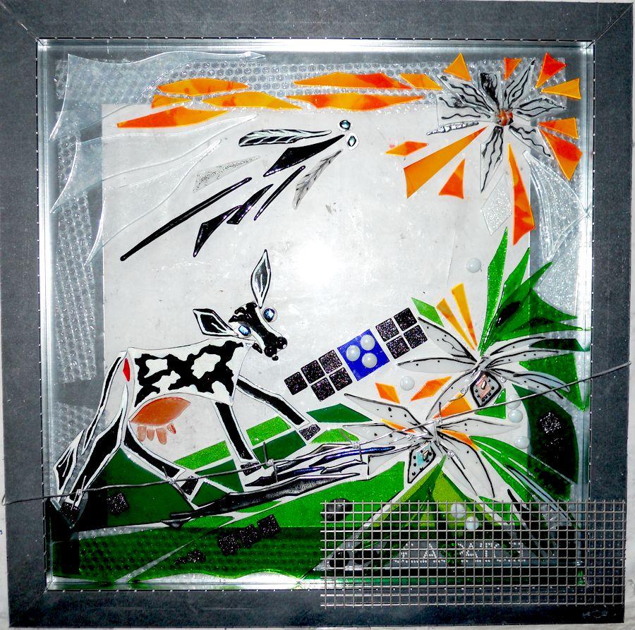 bestillingsarbejde glas, special opgaver glas, glaskunst, glaskunstner, Mette Enøe, glaspatch glaskunst, glaskunst udstilling, glaskunst galleri, Kunstmosaik, mosaik,  glasdyr, udendørs kunst, udendørs glaskunst, Åbybro Mejeri