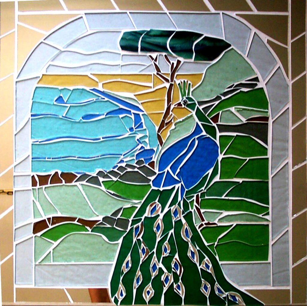 glaskunst, glaskunst galleri, Glaspatch, Glaspatch glaskunst, Mette Enøe, glaskunst udstilling, Påfugl, kunst, kunst udstilling. udendørs kunst, udendørs mosaik, udendørs mosaikker