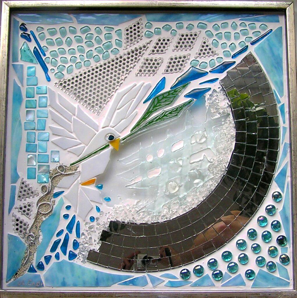 Mosaik, mosaikker, glaspatch mosaik, glaskunst, glaspatch glaskunst, glaskunst galleri, glaskunst udstilling, glaskunstner, Mette Enøe, fredsdue