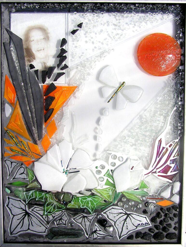 glaskunst, glaskunstner, Mette Enøe, glaspatch glaskunst, glaskunst udstilling, glaskunst galleri, Kunstmosaik, mosaik, minde mosaik, glasportræt,
