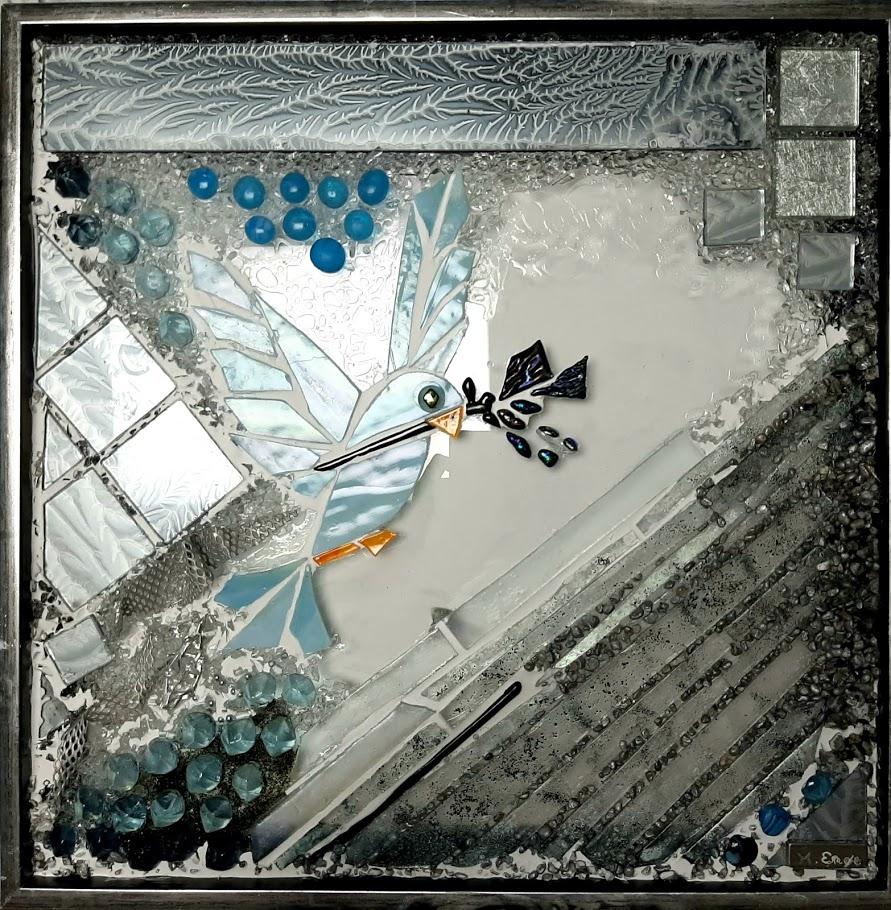 fredsdue, dove of peace, Peace pigeon, glaskunst, glaskunstner, Mette Enøe, glaspatch glaskunst, glaskunst udstilling, glaskunst galleri, Kunstmosaik, mosaik,  glasdyr