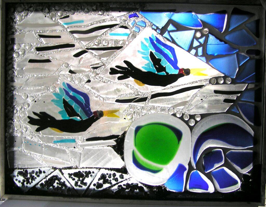 glaskunst, glaskunst galleri, Glaspatch, Glaspatch glaskunst, Mette Enøe, glaskunst udstilling, , kunst, kunst udstilling. udendørs kunst, udendørs mosaik, udendørs mosaikker, flyvende fugle